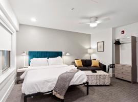 Modern MW Studio with Gym by Zencity, vacation rental in Kansas City