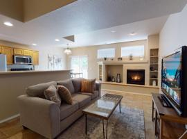 3879 Josephine by Vacation Rentals for You, spa hotel in Colorado Springs
