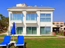 Ocean Suites Luxury Apartments, apartment in Protaras