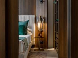 We Me Suite Hotel, hotel near Viale Ceccarini, Riccione
