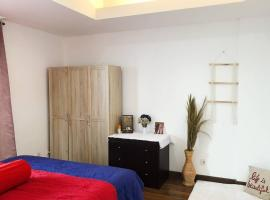Cozy&Simple apt with golf fields view @springhill, hotel in Jakarta