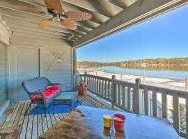 Hot Springs Condo on Lake Hamilton with Pool!, apartment in Hot Springs