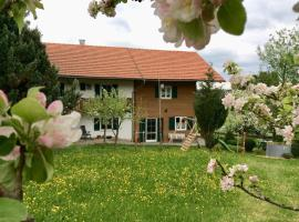Modern Apartment in Lindegg with Balcony, hotel near Pilgrimage Church of Wies, Lindegg