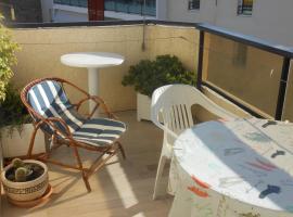 Appartement Saint-Raphaël, 1 pièce, 4 personnes - FR-1-466-34, budget hotel in Saint-Raphaël