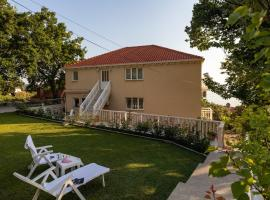 Apartments Belenum, guest house in Mlini