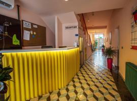 Hotel 4 Llulla