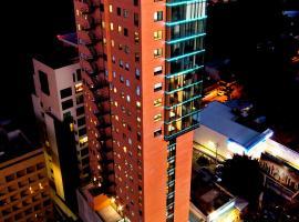 HS HOTSSON Hotel Guadalajara Country Club, hotel in Guadalajara