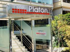 Platon Hotel, hotel in Piraeus