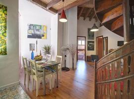 Entre Catedral, Lonja y Ayuntamiento... VÍVELO!!!!, apartment in Valencia
