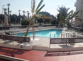 Boronia Hotel Apartments, apartment in Larnaca