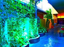 Natalie Mini-hotel, budget hotel in Anapa