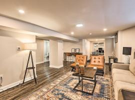 Cozy-Chic Cincy Apt Less Than 4 Mi to Dtwn and Stadiums, vacation rental in Cincinnati
