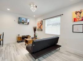 Modern Bayshore Home 44, family hotel in Tampa