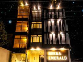 Hotel Heera Emerald, hotel in Mathura