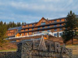 Grandhotel Tatra – hotel w mieście Velké Karlovice