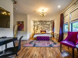 Adina - Green Suite - Downtown Beauty Hotel Room, hotel u blizini znamenitosti 'Mount Bonnell' u gradu 'Austin'