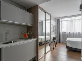 Studio Premium Batel HSB009, holiday rental in Curitiba