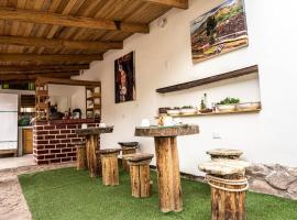 MAMA GREEN Eco Lodge & Organic Permaculture Farm, hotel near Sir Torrechayoc Church, Urubamba
