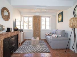 Very nice renovated apartment Saône, budget hotel in Lyon