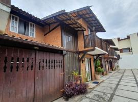 Casa Duplex com 3 Quartos há 700m da praia, pet-friendly hotel in Volta Redonda