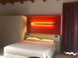 Alba Village Hotel, hotel in Alba