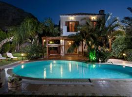 Pandora Villas, pet-friendly hotel in Hersonissos