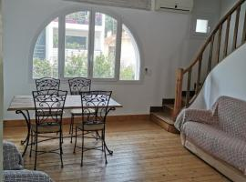 Villa provençale Ma tranquilité, budget hotel in Saint-Raphaël