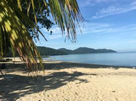 Pantai seaview resort Batu Ferringhi 1202, apartment in Batu Ferringhi