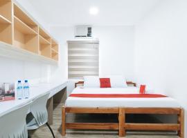 RedDoorz Plus @ 1318 Residences, hotel in Manila