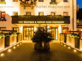 Boutique & Fashion Hotel Maciaconi - Gardenahotels, hotel in Santa Cristina Gherdëina