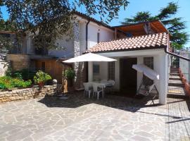 One-Bedroom Holiday home in Umag/Istrien 12158, vila v Umagu
