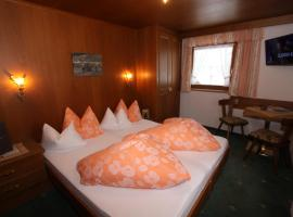Haus Alpenglühn, Bed & Breakfast in Längenfeld
