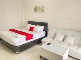 RedDoorz Plus @ Bukit Mas Cottage, budget hotel in Lampung