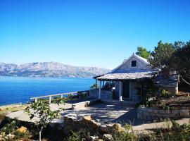 Vacation House, PARKING INCLUDED, Lovrecina, hotel near Lovrećina Bay, Postira