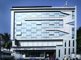 Hotel Dwaraka Grand, hotel near Kempegowda International Airport - BLR, Bangalore