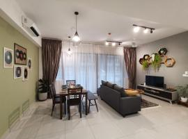 Geniehome PoolView 3BR 100mbps@Utropolis Shah Alam, apartment in Shah Alam