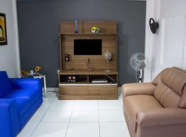Casa da Mi em Maragogi: Centro - perto de tudo!, budget hotel in Maragogi
