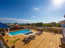 Butterfly Hill Villa & Studio Apartment, luxury hotel in Treasure Beach