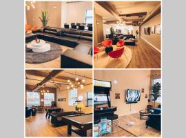 Luxurious Penthouse with huge Gameroom with over 4000 games, apartment in Chicago
