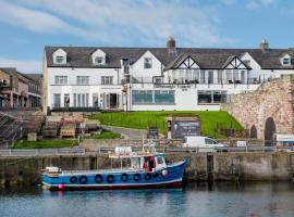 The Bamburgh Castle Inn, hotel in Seahouses