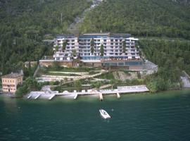EALA My Lakeside Dream - Adults Friendly, hotel in zona Lago di Ledro, Limone sul Garda