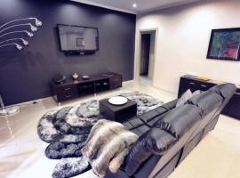 Casavino Luxury Villas, hotel near Oliver's Taranga Vineyards, McLaren Vale