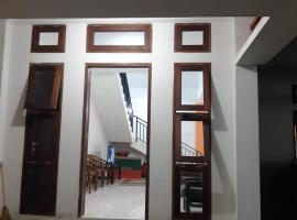 OMAH AWANG KEMETIRAN, pet-friendly hotel in Yogyakarta