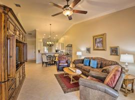 Heritage Palms Condo with Golf Course Views!, Ferienunterkunft in Fort Myers
