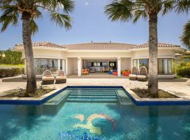 Oceanfront Luxury Mansion at Coral Estate Resort, villa in Willibrordus