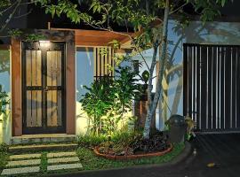 Beautiful Garden Villa at Vimala Hills, pet-friendly hotel in Bogor