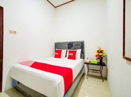 OYO 90138 Dear Darlin Villa - Family Stay, hotel in Batu