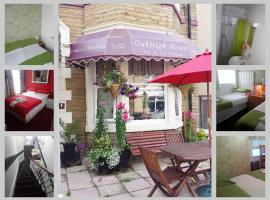 Oakleigh House, hotel near Sandcastle Waterpark, Blackpool