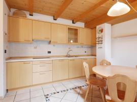 Appartamento Sissi, apartment in Canazei