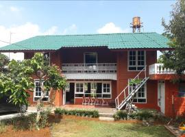 VILLA SENTEBALE, villa in Bogor